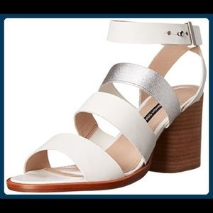 NWT⭐️French Connections⭐️white and silver sandals